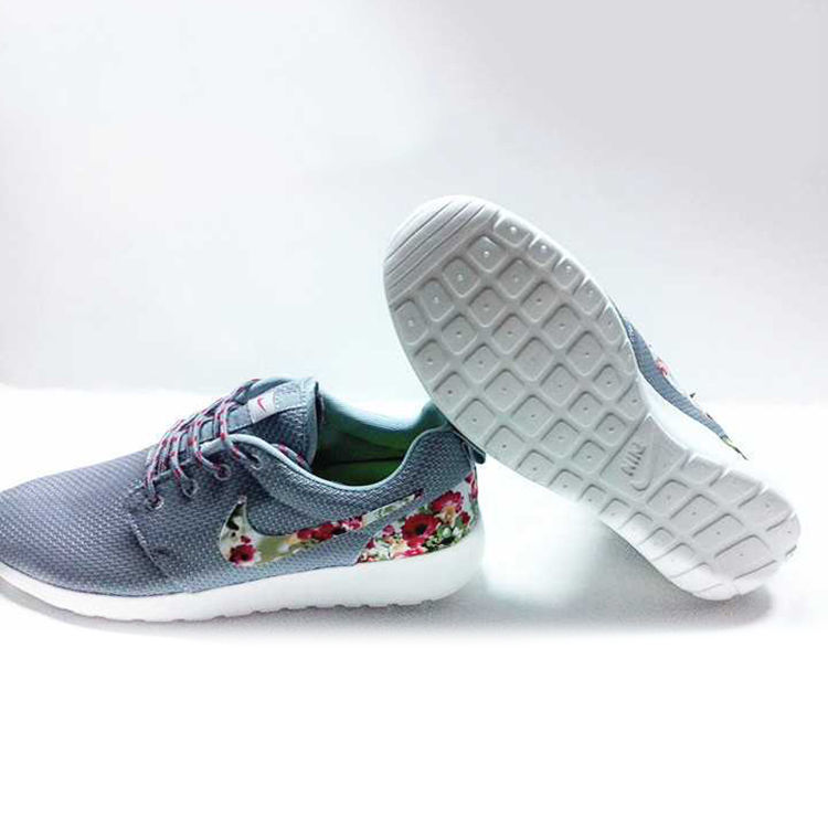 Nike Floral Roshe Customized Running Shoes resmi